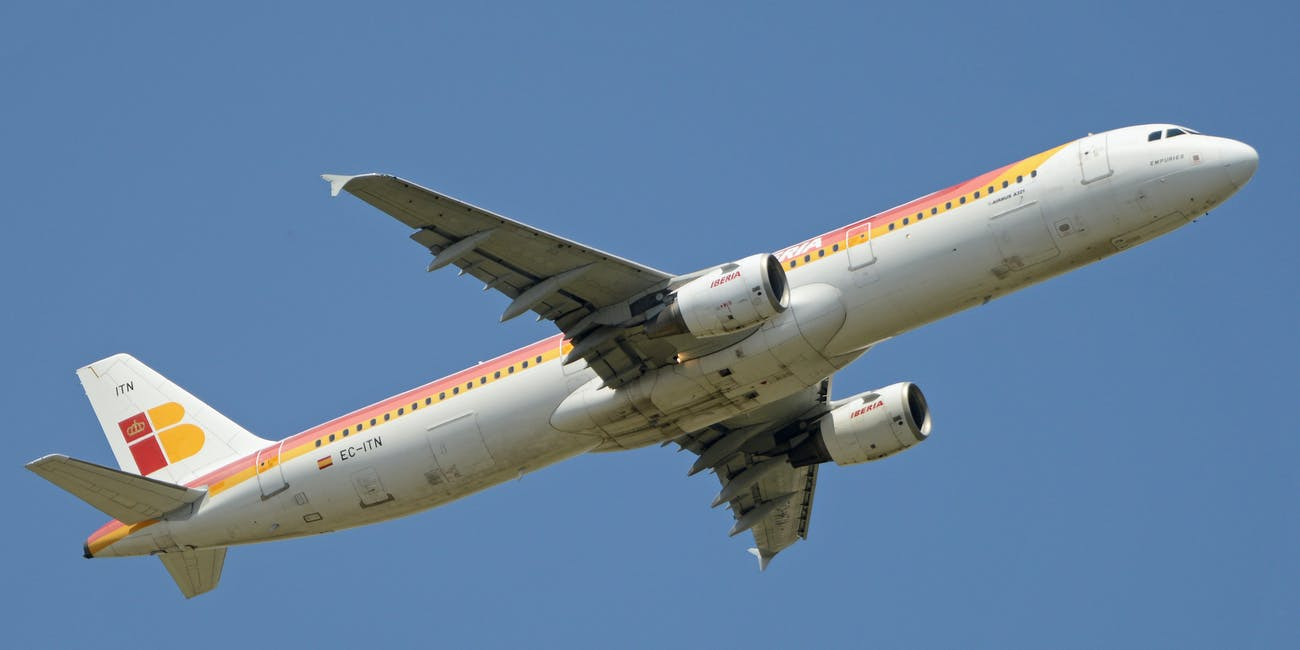 Airbus A321-211 'EC-ITN' Iberia
