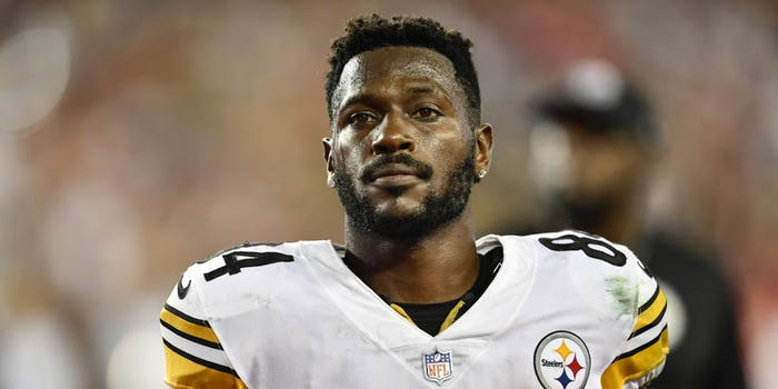 Pittsburgh Steelers wide receiver Antonio Brown (84) during the first half of an NFL game between the Pittsburgh Steelers and the Tampa Bay Buccaneers on September 24, 2018, at Raymond James Stadium in Tampa, FL.