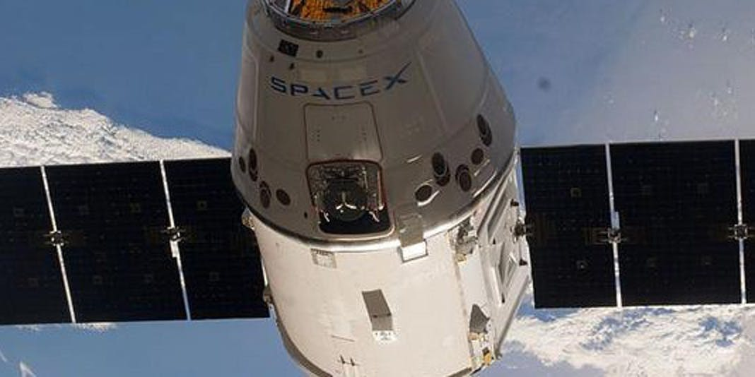 Dragon NASA SpaceX Falon 9