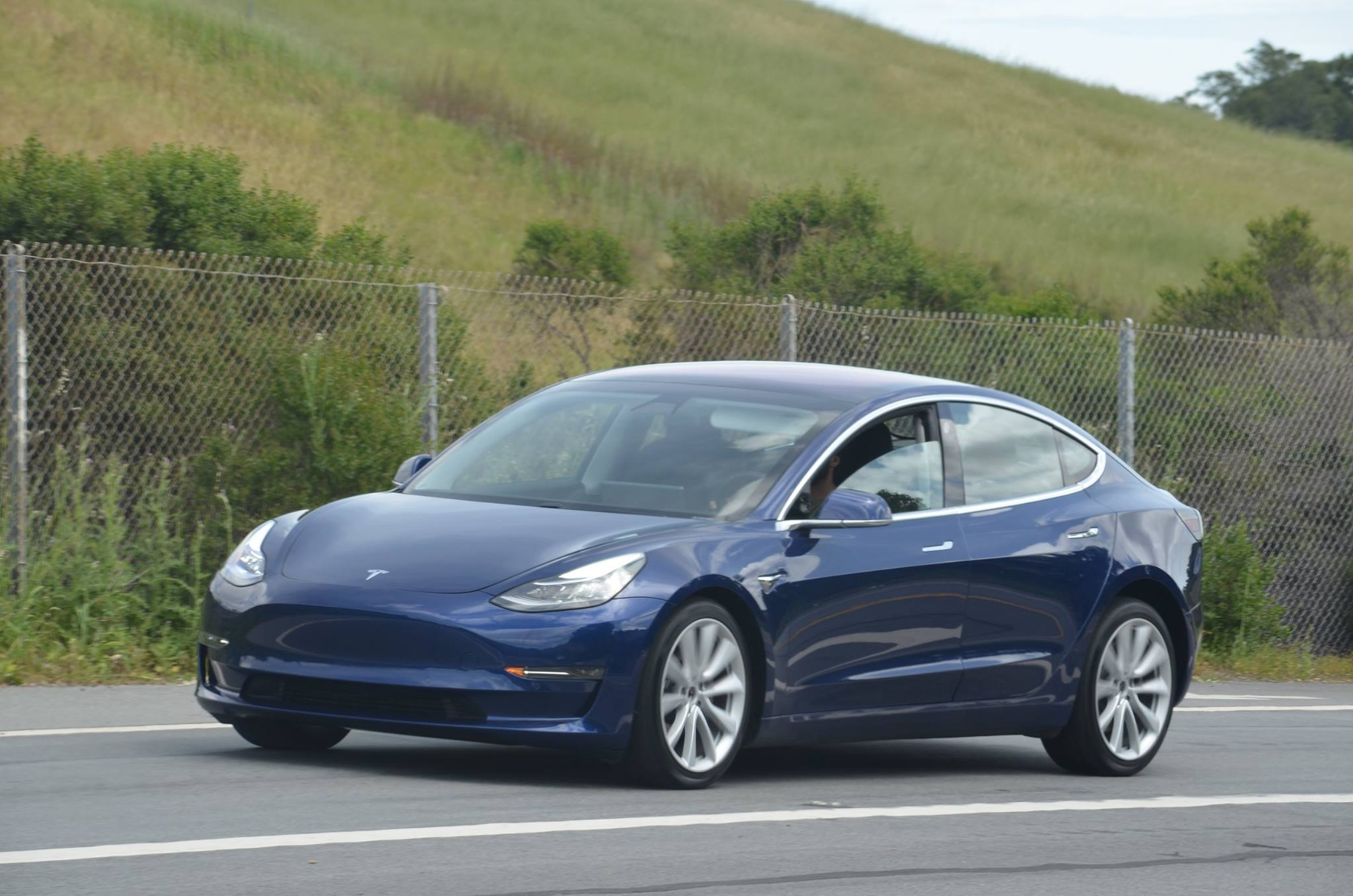 Consumer Reports downgrades the Tesla Model S for dumb, stupid reasons