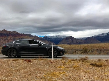 Nevada Driver Finds Out the Hard Way That Even Teslas Still Need Keys