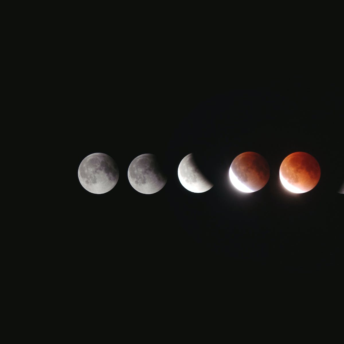 Martian Views and a Lunar Eclipse: July 27 Is the Best Night to Look Up