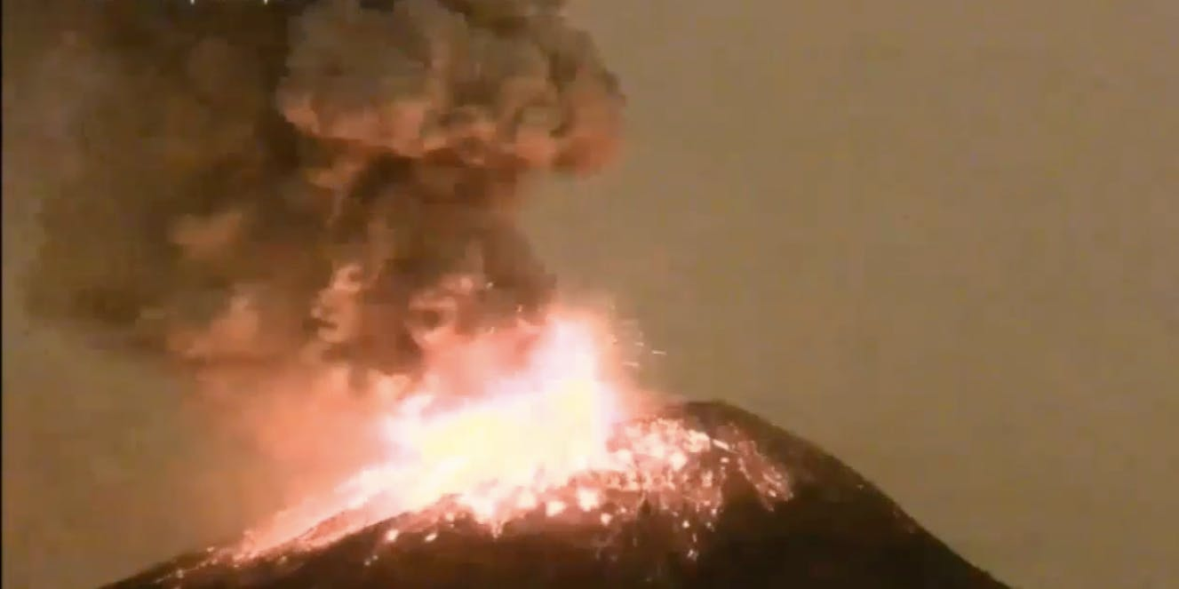 Watch Mexico's Popocatépetl Volcano Erupt Next to a Major City