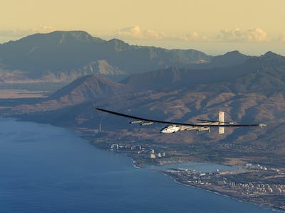 Watch Solar Impulse Plane Soar to California in Fuel-Free Trip Around the World