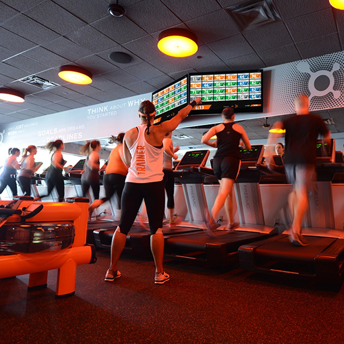 """Does Orange Theory Work? The Science of an """"Afterburn"""" Explains How It Can"""