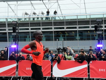 Runner Narrowly Misses 2-Hour Marathon Mark at Nike's Breaking2