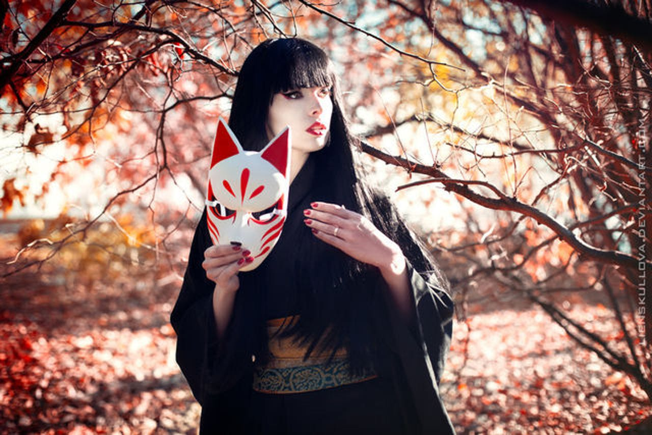 The Japanese kitsune mask could have inspired the 'Fortnite' mask for Season 5.