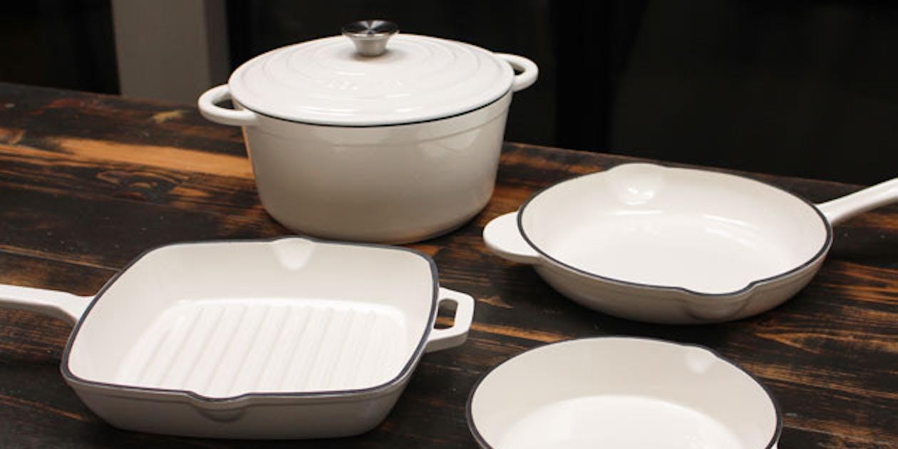 Save 61% Off A Brand New Cast Iron Cookware Set