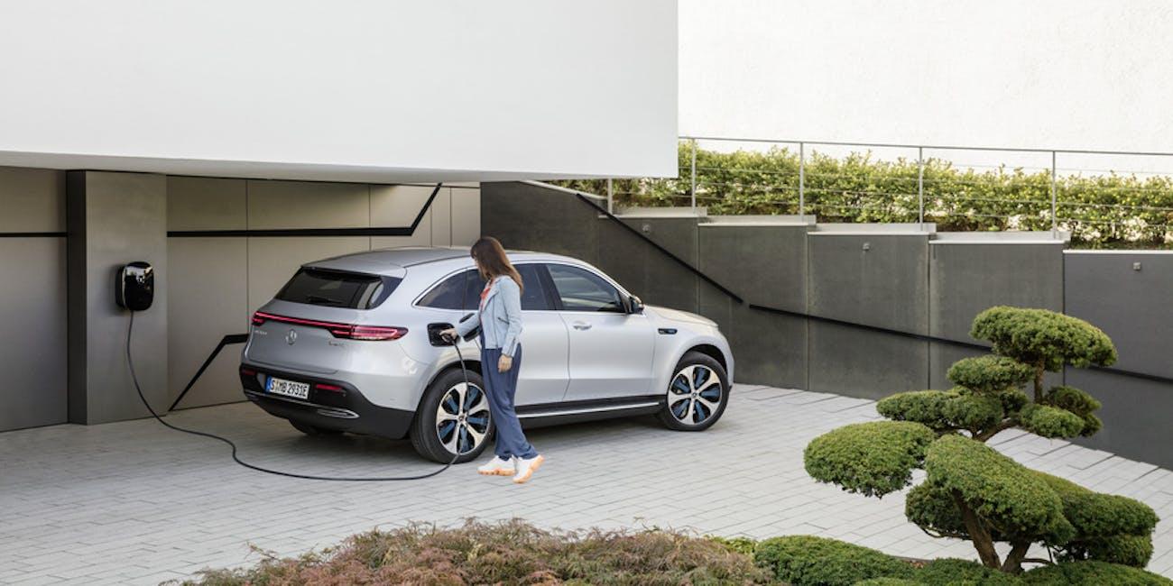 mercedez-benz electric car