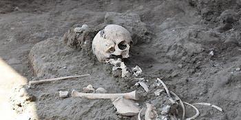 child skeleton pompeii