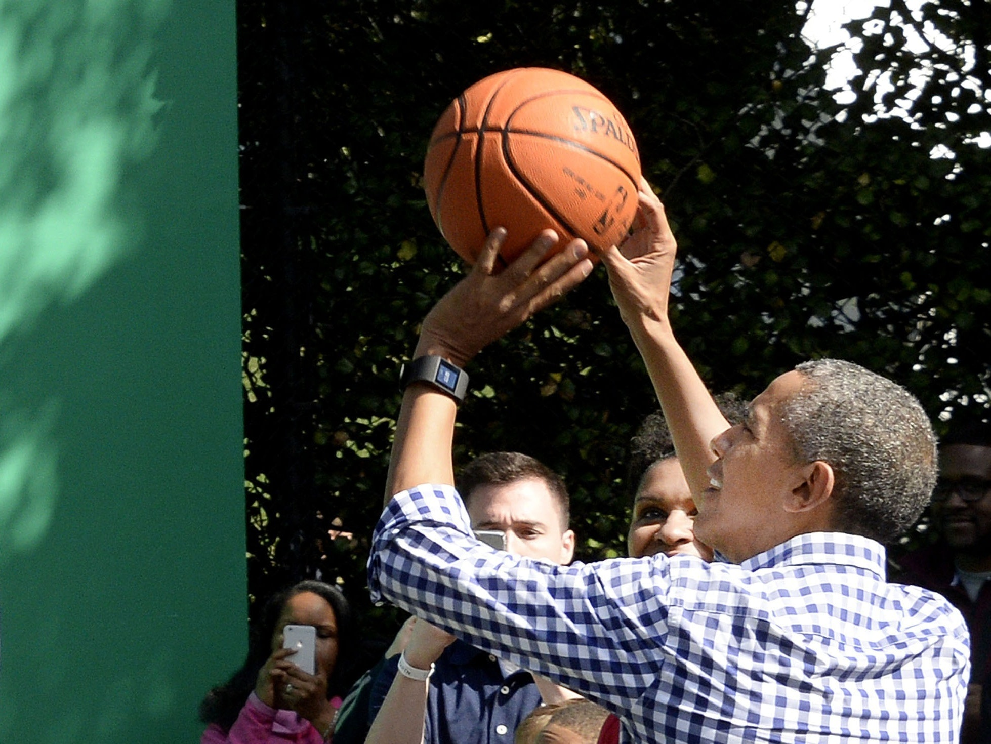 Why Obama's 'One-on-None' Basketball Strategy Never Fails