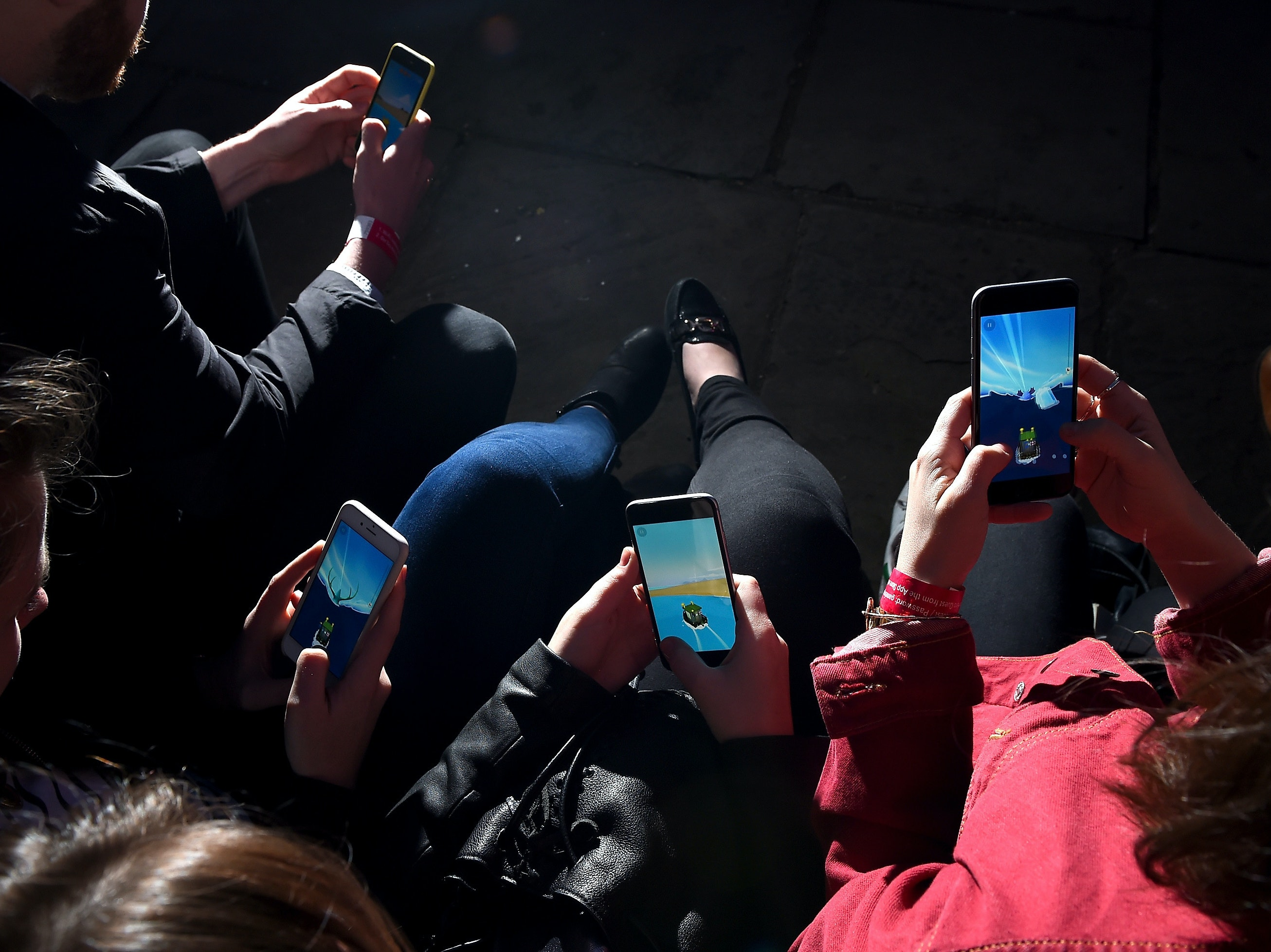 Research shows that cell phones are changing the way we walk.