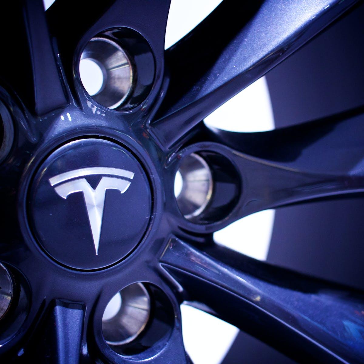 Musk Reads: Tesla Electric Plane Draws Closer