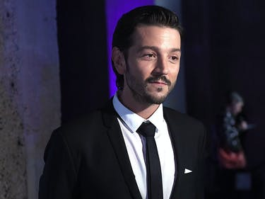 Diego Luna Is the Unapologetically Latino Star Wars Hero We Need