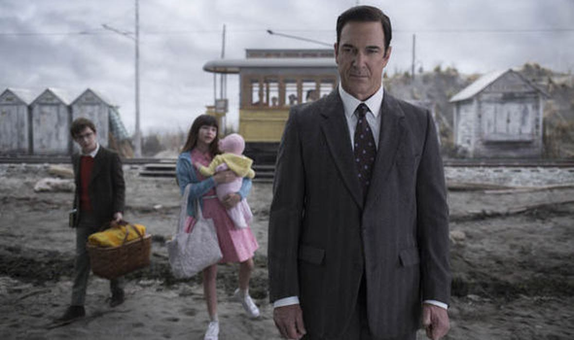 Patrick Warburton in 'A Series of Unfortunate Events'