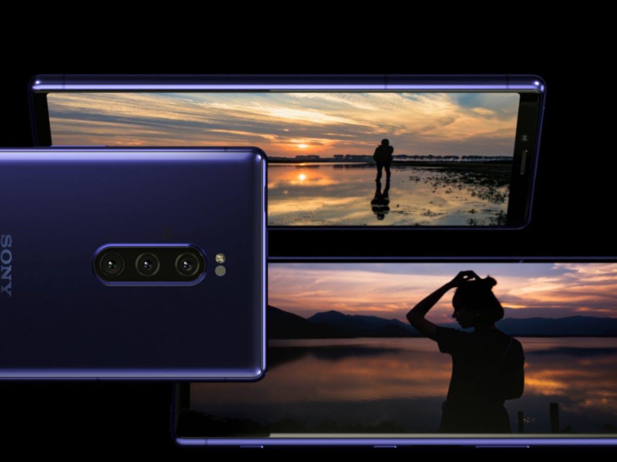 https://www inverse com/article/53536-lg-s-dual-screen-v50