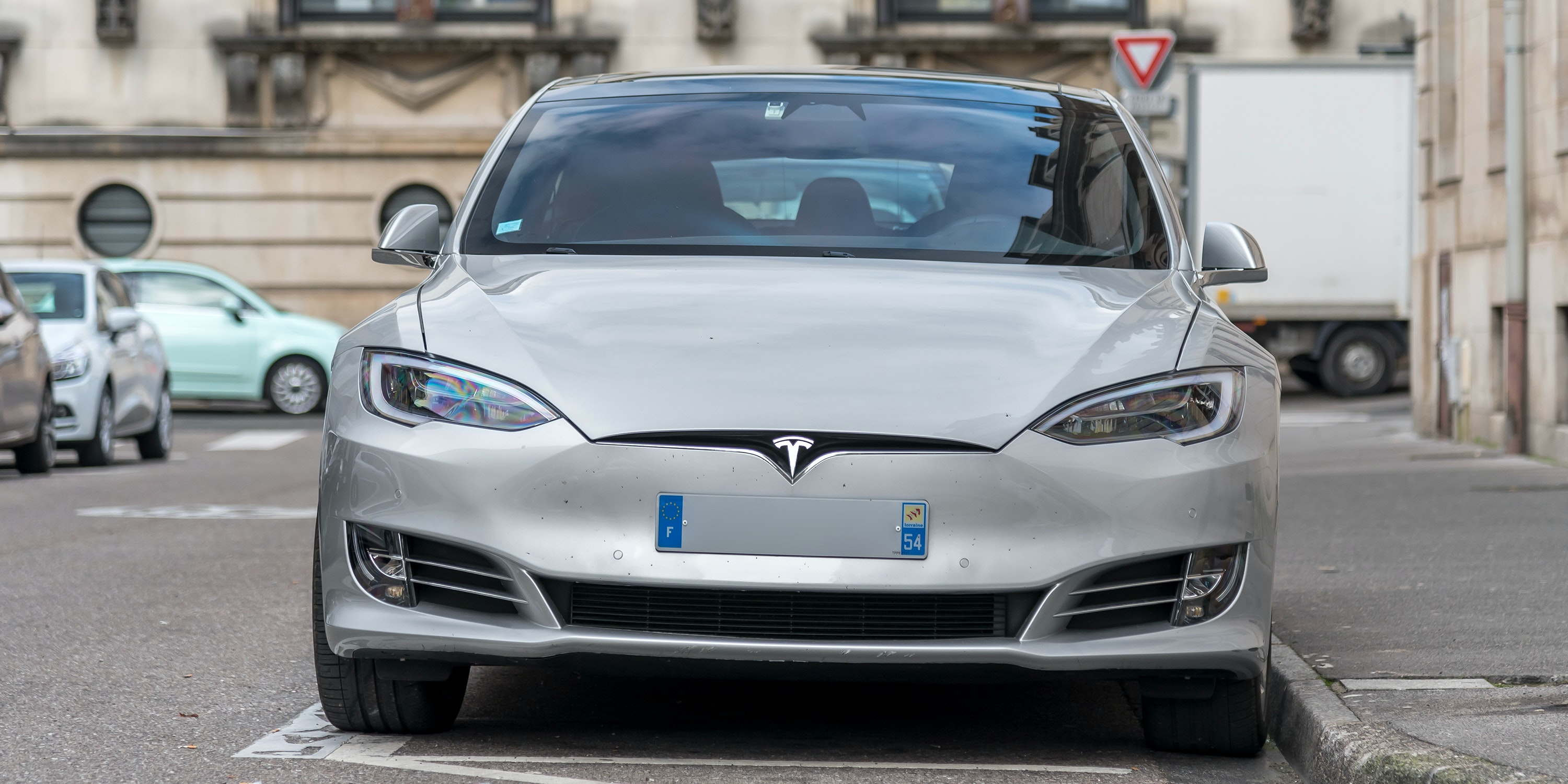 Tesla Model S: How New Car Reaches 370 Miles Range With Same Size Battery