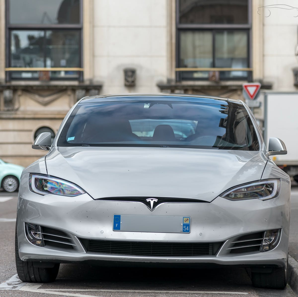 Tesla Model S How New Car Reaches 370 Miles Range With Same Size Battery