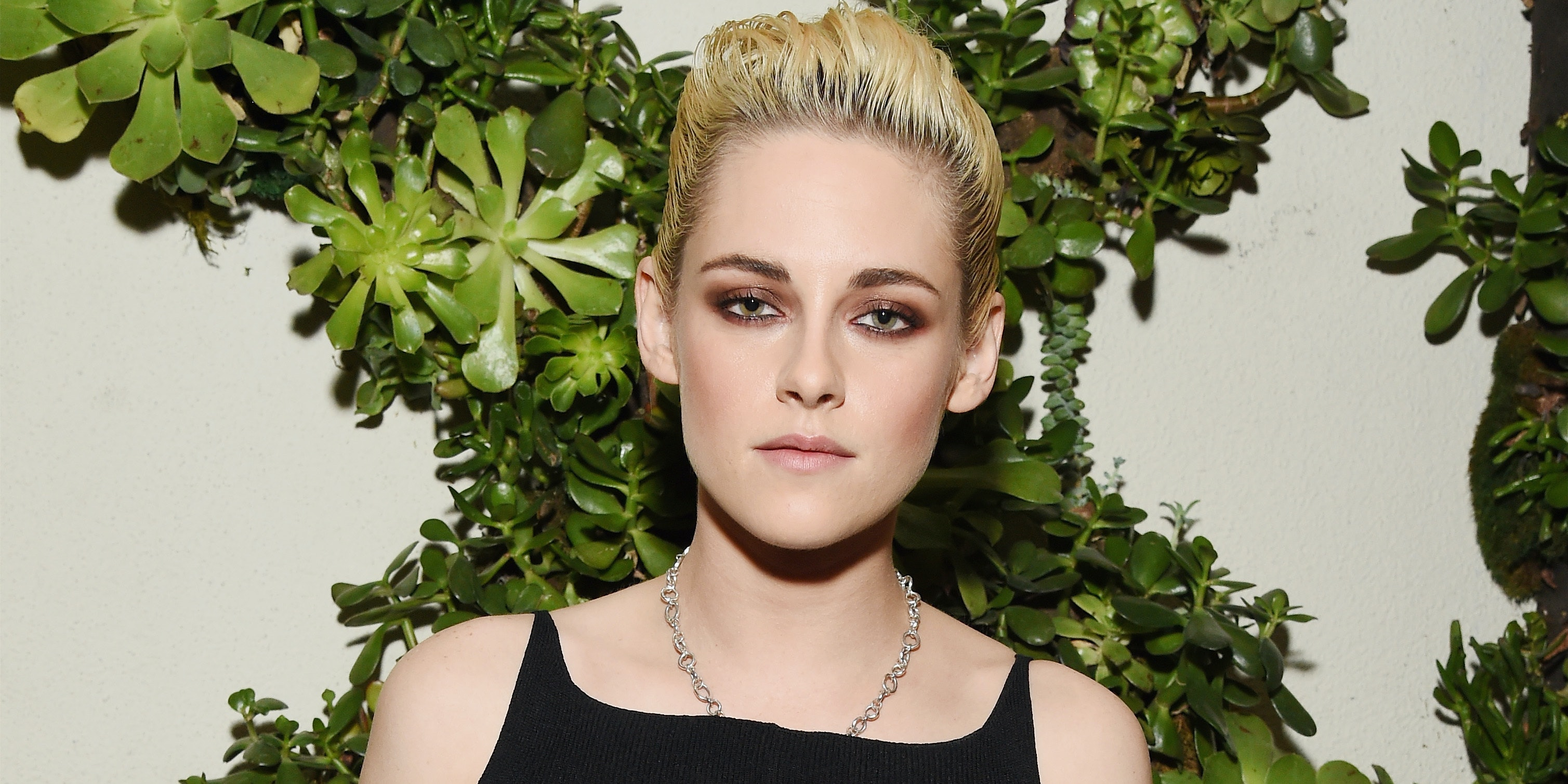 Honoree Kristen Stewart attends the 23rd Annual ELLE Women In Hollywood Awards at Four Seasons Hotel Los Angeles at Beverly Hills on October 24, 2016 in Los Angeles, California.