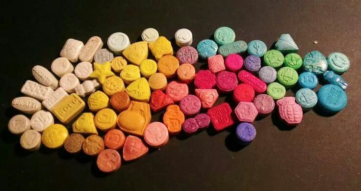 "basics of ecstasy mdma 17 interesting facts about ecstasy ecstasy or mdma is a popular drug at the rave parties it is also dubbed as ""the second summer of love."