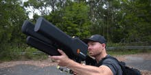"This ""Drone Gun"" Can Safely Take Down a DJI Phantom"