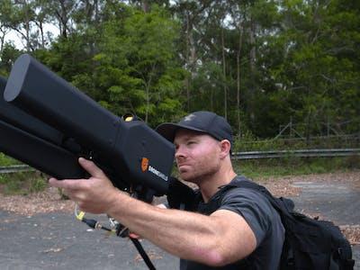 """This """"Drone Gun"""" Can Safely Take Down a DJI Phantom"""