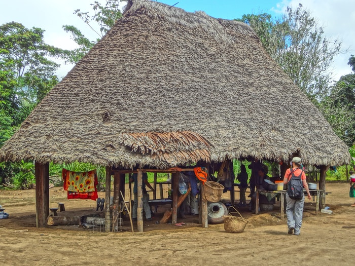A typical Checherta village hut, with no walls, open towards the immediate surrounding environment.
