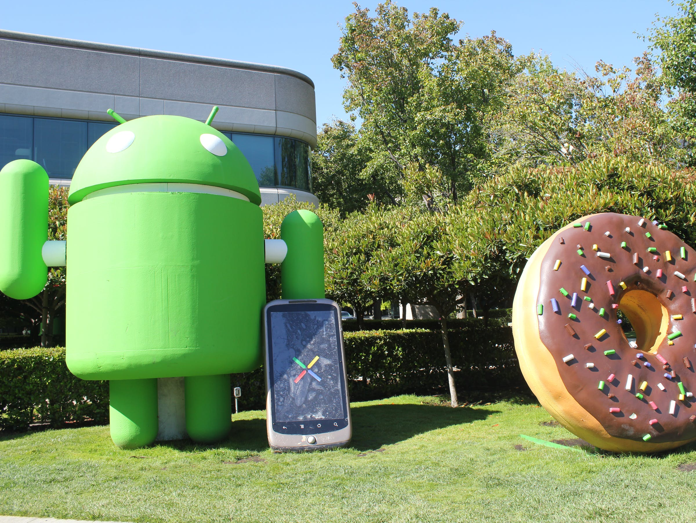 Android and donut