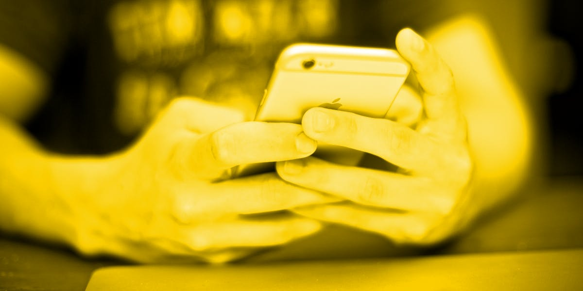 sarahah teen iphone phone mac black and white hands bully tasha eurich insight feedback