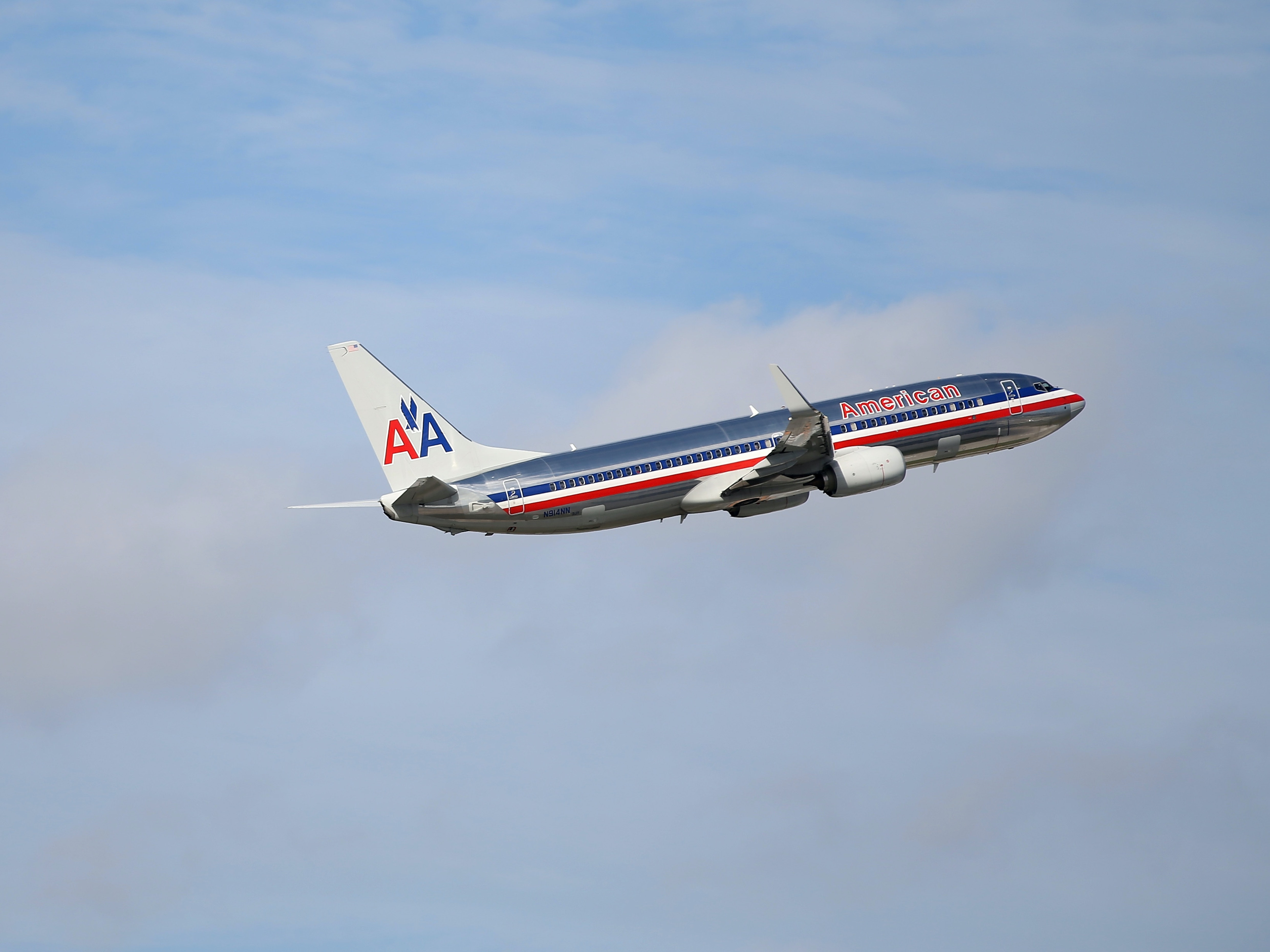 American Airlines Is Suing Gogo For Providing Terrible In