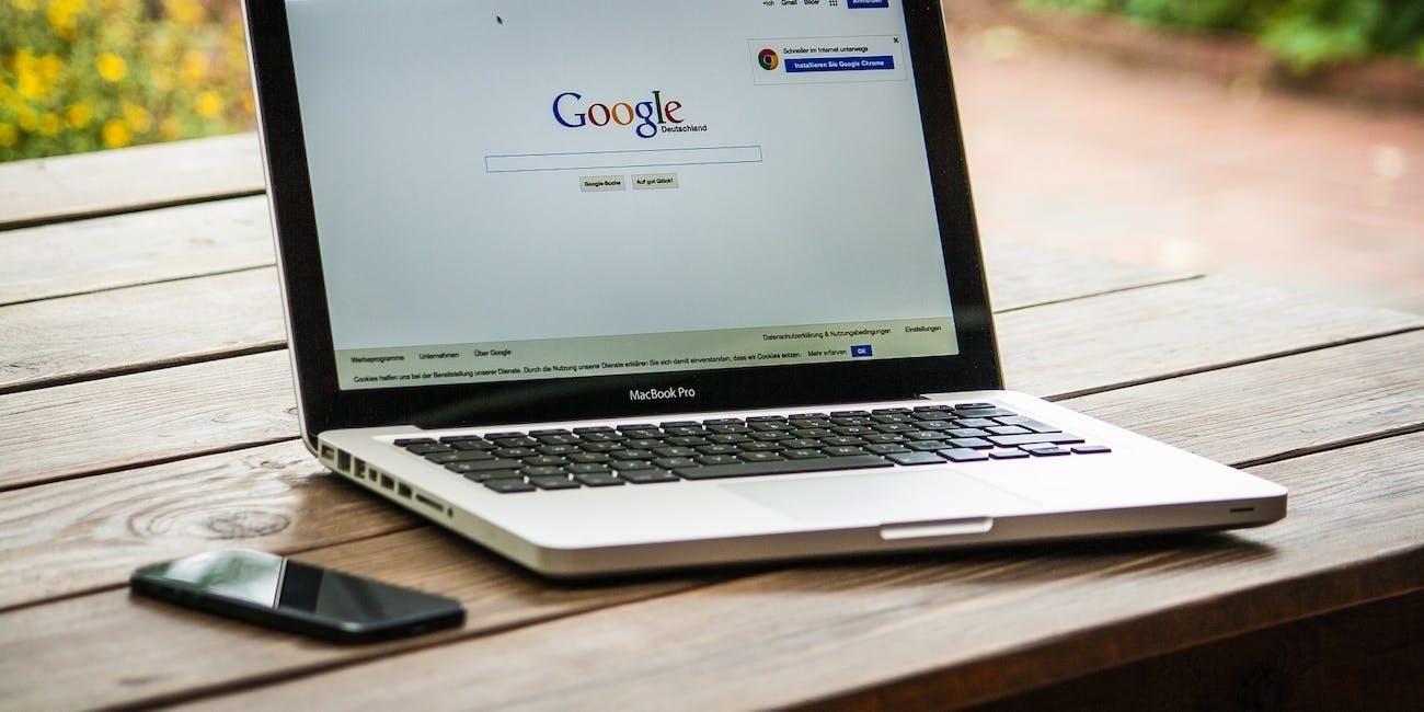 Laptop on internet