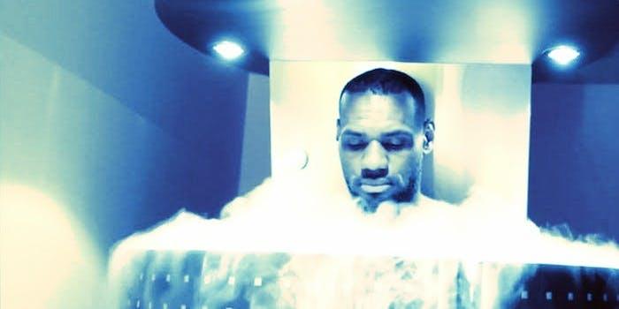 Cryotherapy cryo sauna
