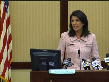 Nikki Haley Wants to Illegally Jam Cell Phone Networks in South Carolina Prisons