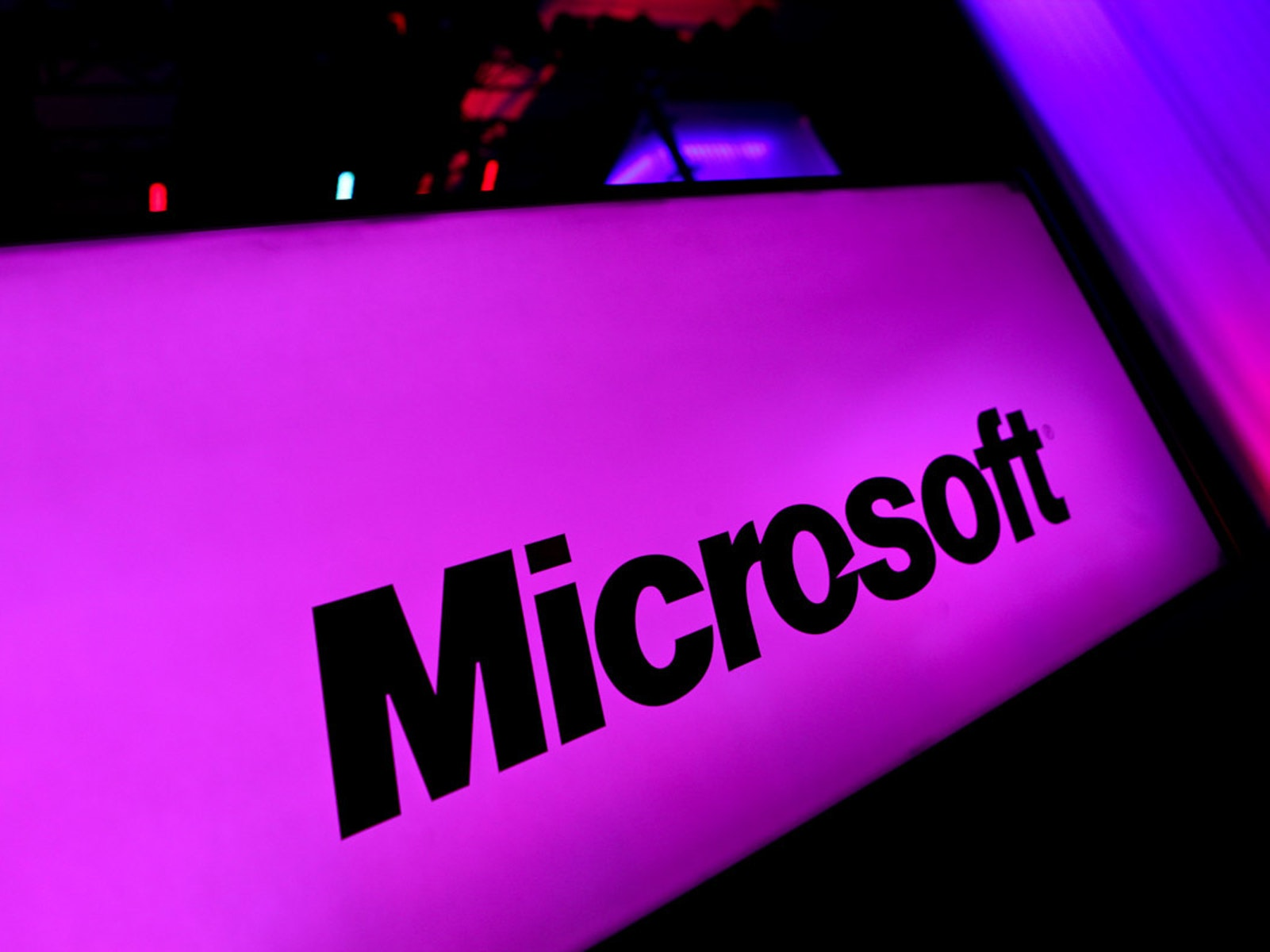 Why Microsoft's Fight With the Government Should Overshadow Apple's