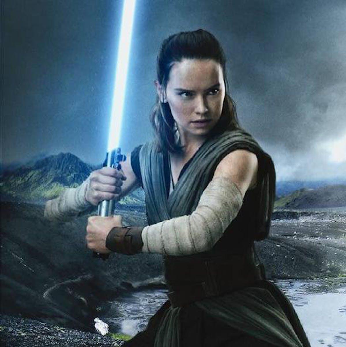 'Star Wars 9' spoilers: New comic may solve mystery of Luke's lightsaber