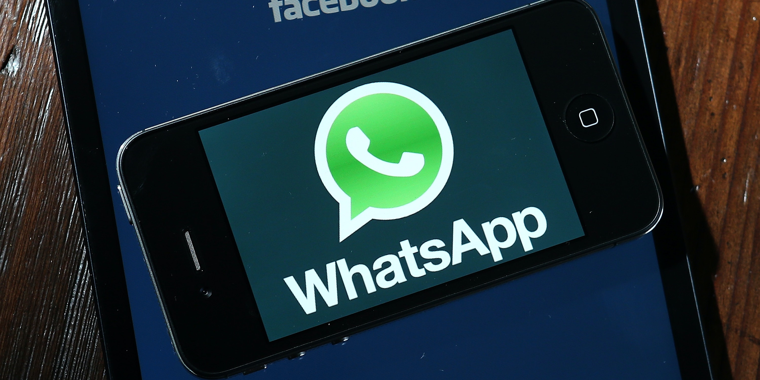 6 Reasons to Switch to WhatsApp Already