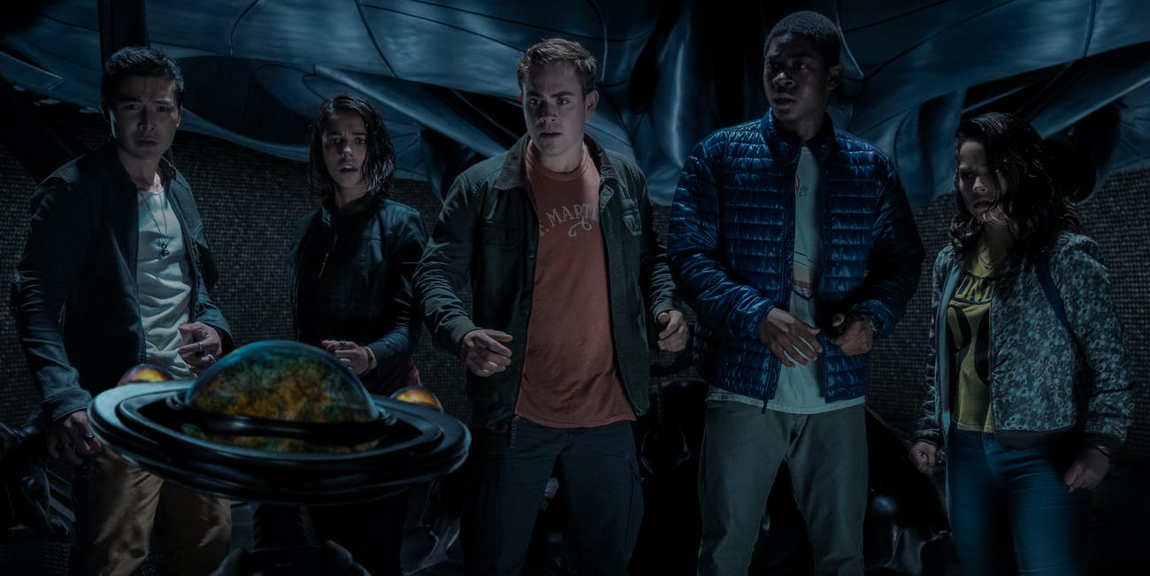 8 deleted power rangers scenes that would have improved the movie a bunch of revealing scenes cut from power rangers would have improved these characters solutioingenieria Choice Image