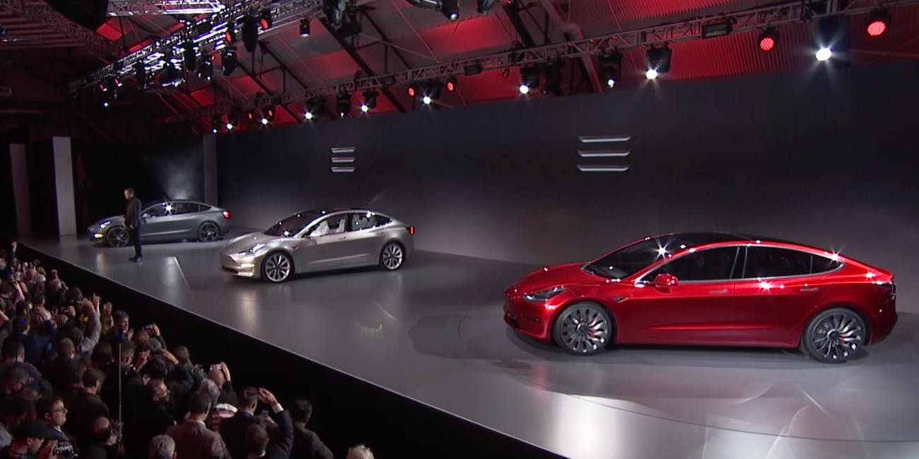 Canadian Firm Pays 1 000 Tesla Model 3 Preorder Deposit For Employees