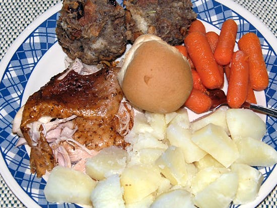 The Perfect Thanksgiving Dinner Is the Ugly Thanksgiving Dinner