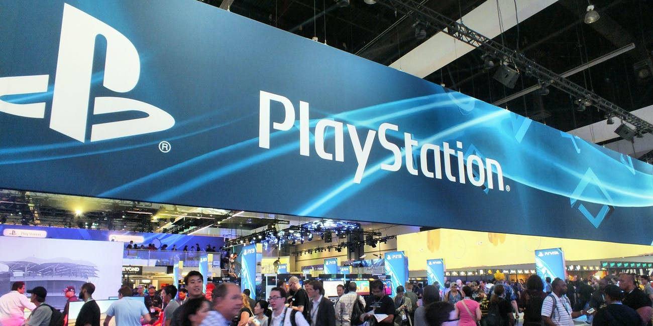 2013 E3 - Sony Playstation Booth Exterior