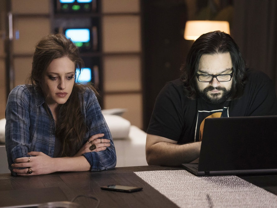 7 Questions We Have After the Season 2 'Mr. Robot' Twist