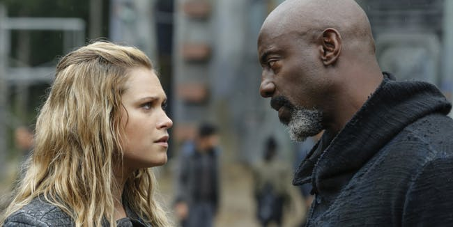 Clarke Griffin and Jaha in 'The 100' Season 4