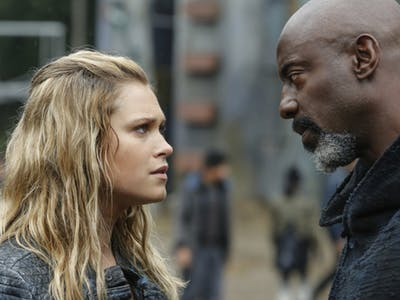 Throwing Out Clarke's List in Season 4 Changes 'The 100'