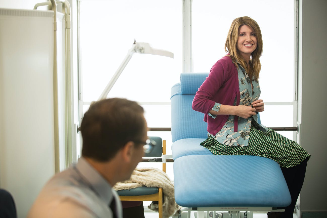 Sharon flirts unsuccessfully with her doctor in 'Catastrophe' Season 3