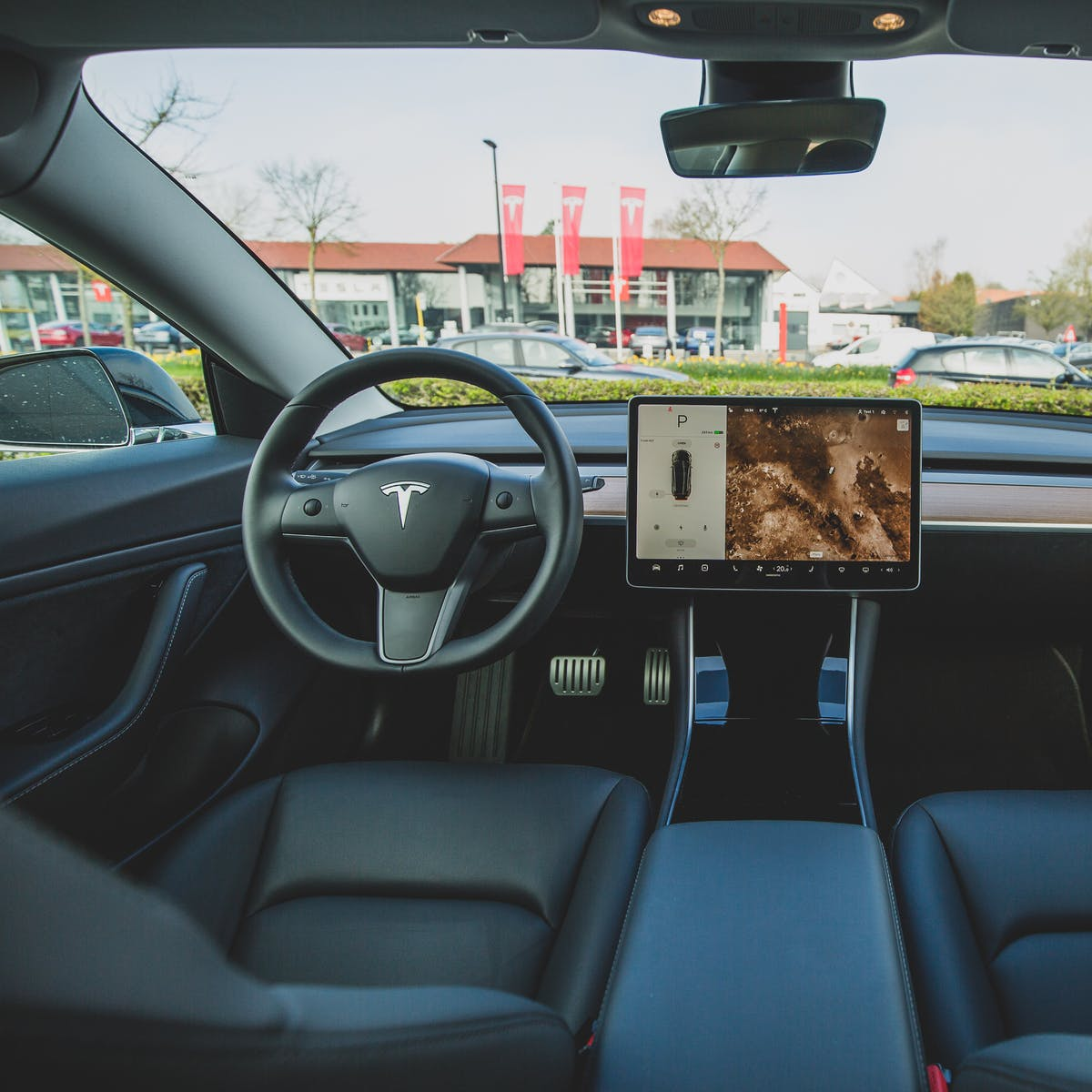 Project Titan: Apple's Latest Hire Suggests Its Car Could Be Tesla-Esque