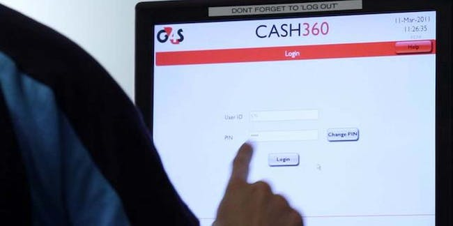 cash360 man computer screen