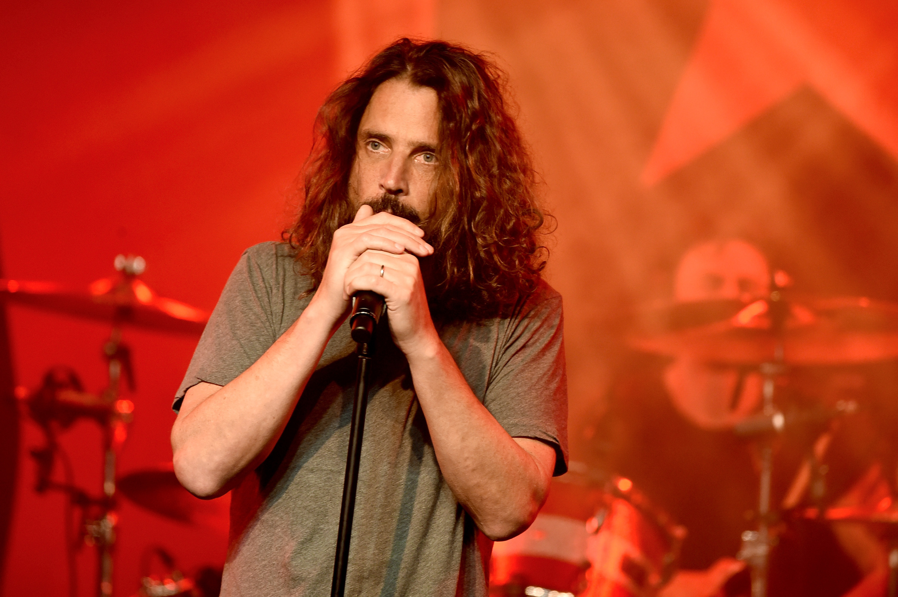 Soundgarden singer Chris Cornell dies at age 52 in Detroit