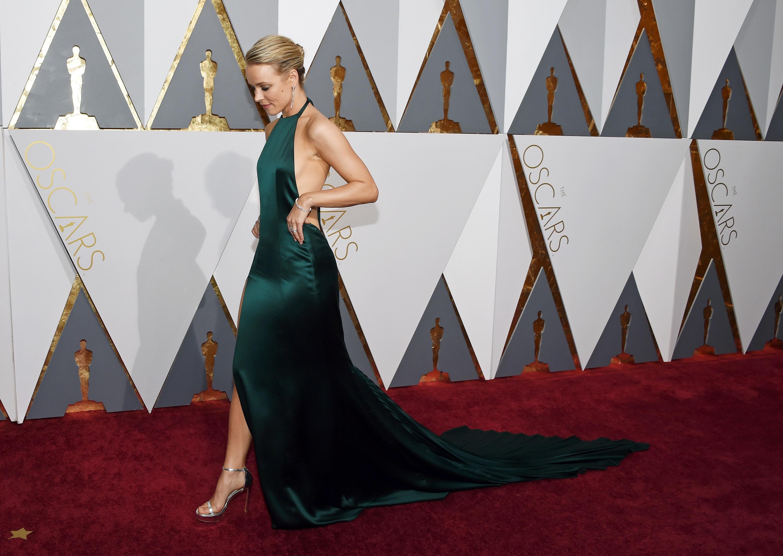 Actress Rachel McAdams on the red carpet at the 2016 Academy Awards.