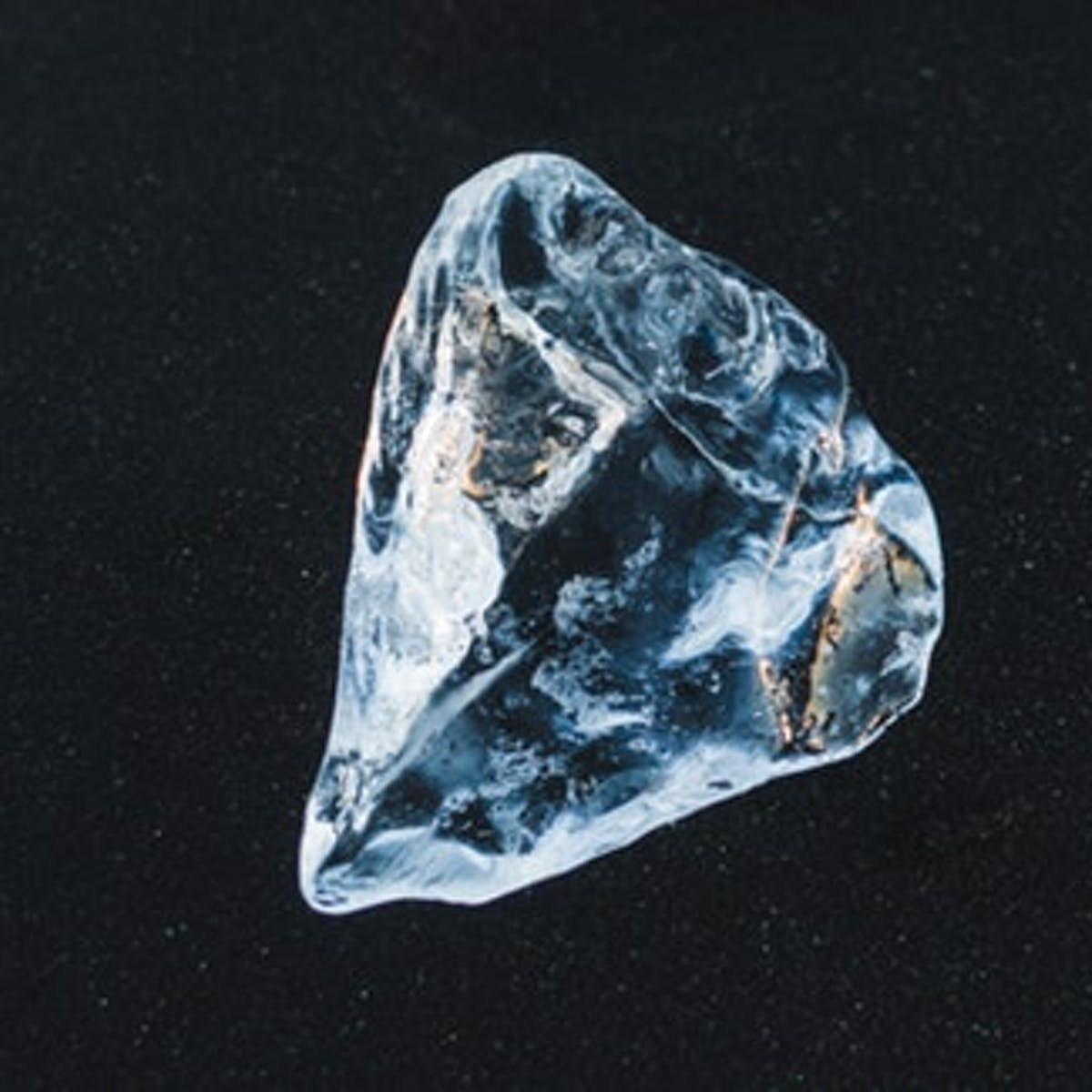 Inverse Daily: Discovery of Ancient Diamonds Reveals Glimpse of Early Earth