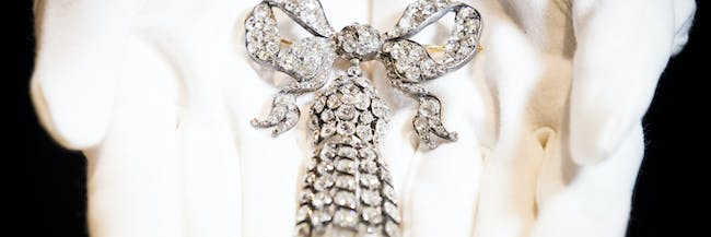 LONDON, ENGLAND - JULY 11: A large mid 19th-century diamond bow brooch owned by Hollywood Icon and Gone With The Wind Star Vivien Leigh goes on display as Sotheby's announced the sale of her personal collection at Sotheby's on July 11, 2017 in London, England. An exhibition of highlights from the auction is now open at Sotheby's in London until 11 August, ahead of the sale which will take place on 26 September 2017. (Photo by Tristan Fewings/Getty Images for Sotheby's)